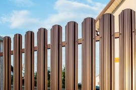 Забор из евроштакетника №1